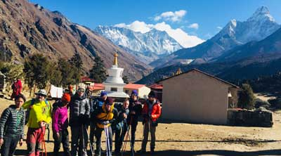 Why travelers want to visit Everest?