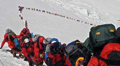 Everest records 456 south summits, five deaths